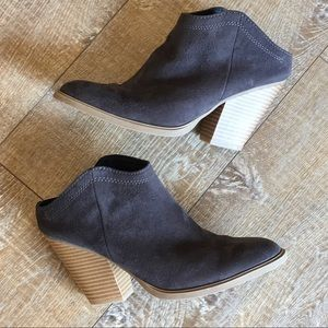 DV by Dolce Vita Stacked Heel Suede Mules Size 6